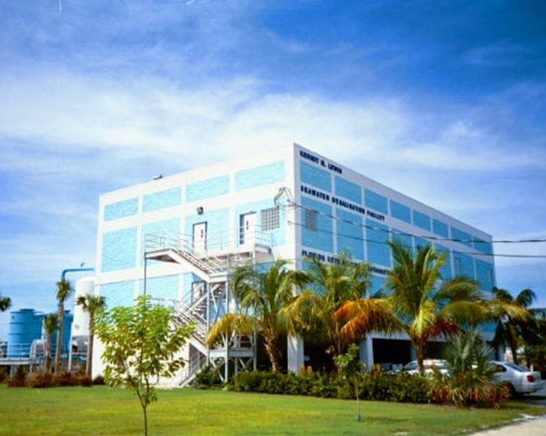 Desalination Seawater Reverse Osmosis RO Water Treatment Plant-014553-edited