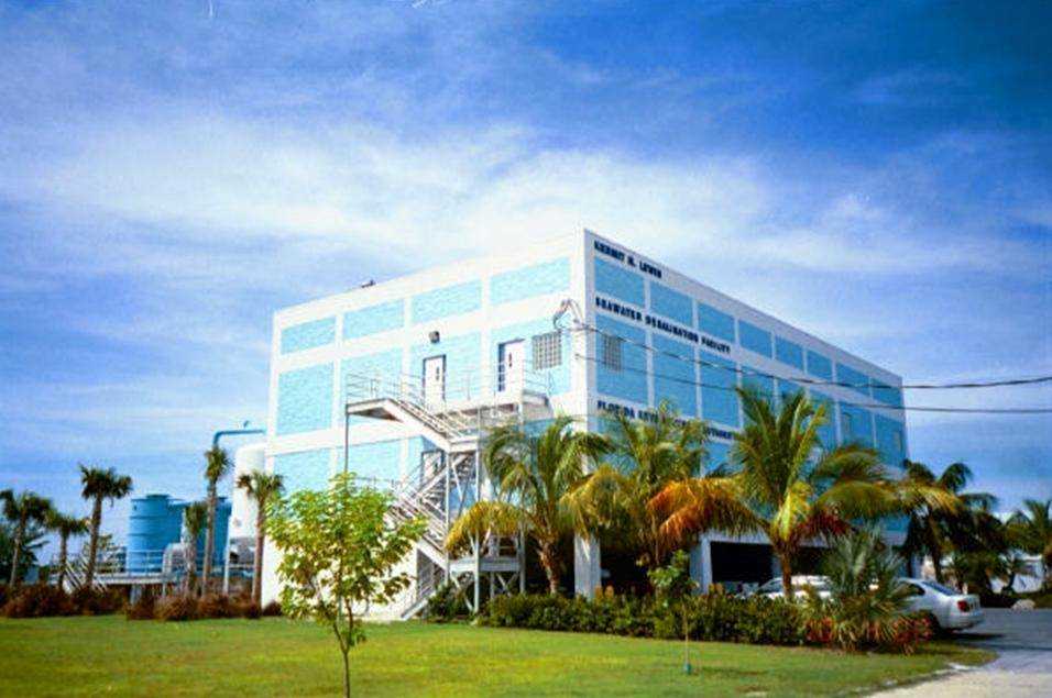 Desalination Seawater Reverse Osmosis RO Water Treatment Plant